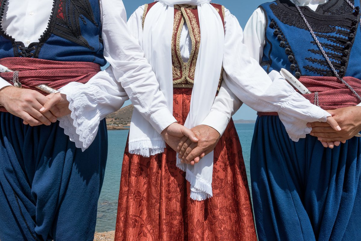A short guide to Cretan music & dances