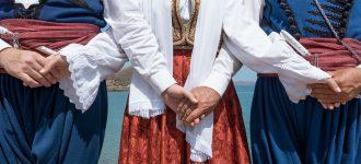 A short guide to Cretan music & dances